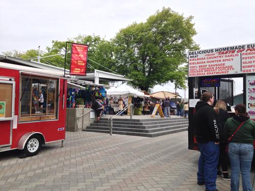 Image of Saturday market in Portland, Oregon